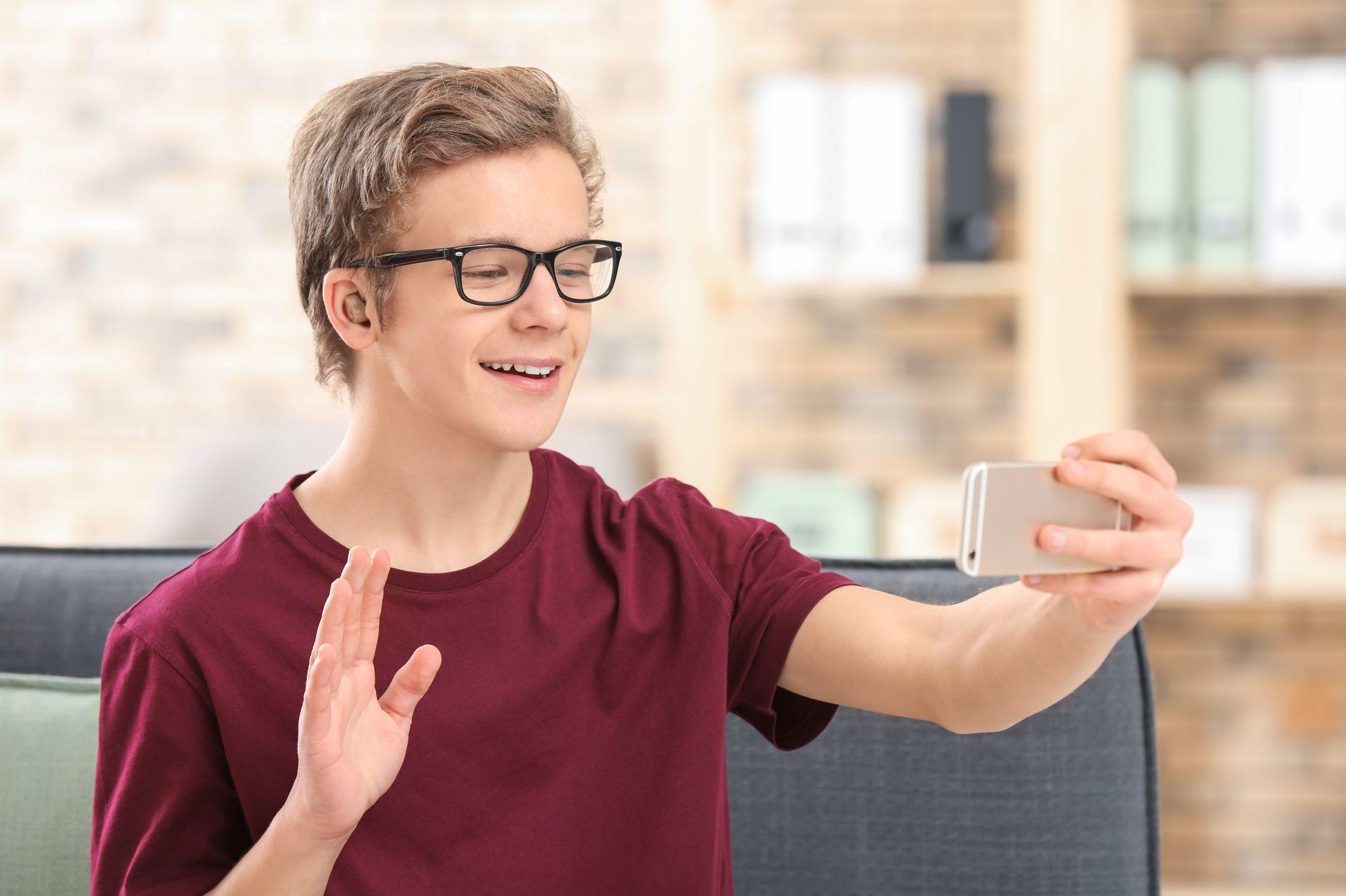 Le téléphone est désormais accessible aux personnes sourdes ou malentendantes