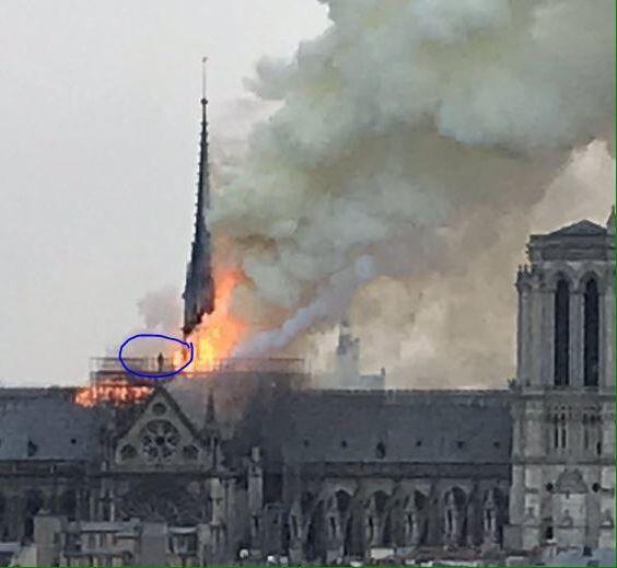 Notre-Dame XVM472e1980-605f-11e9-8734-715cc24237b7