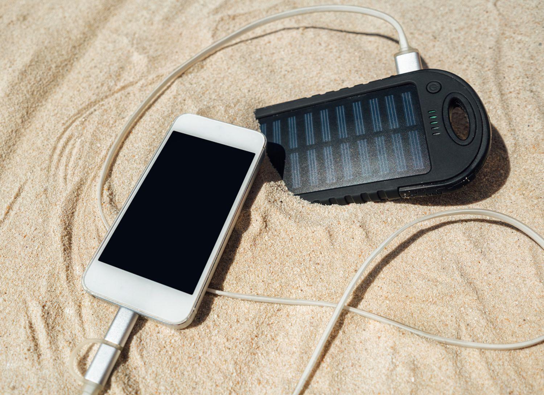 Batterie externe solaire : Guide d'achat pratique et Top 10
