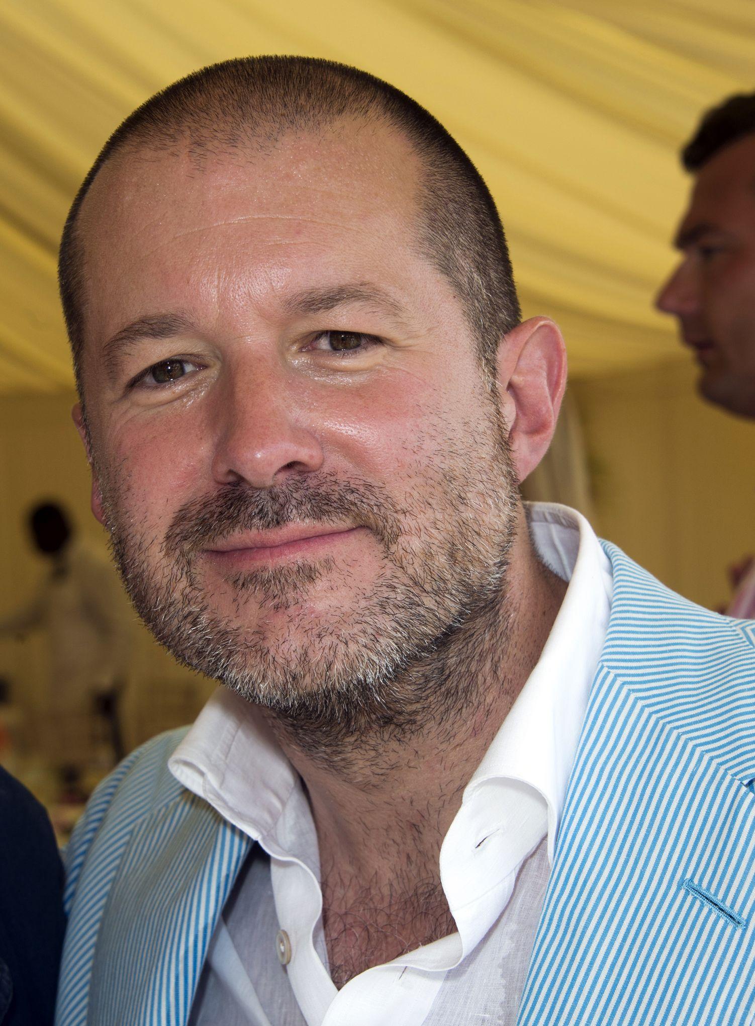 Après 27 ans, le designer star Jony Ive quitte Apple