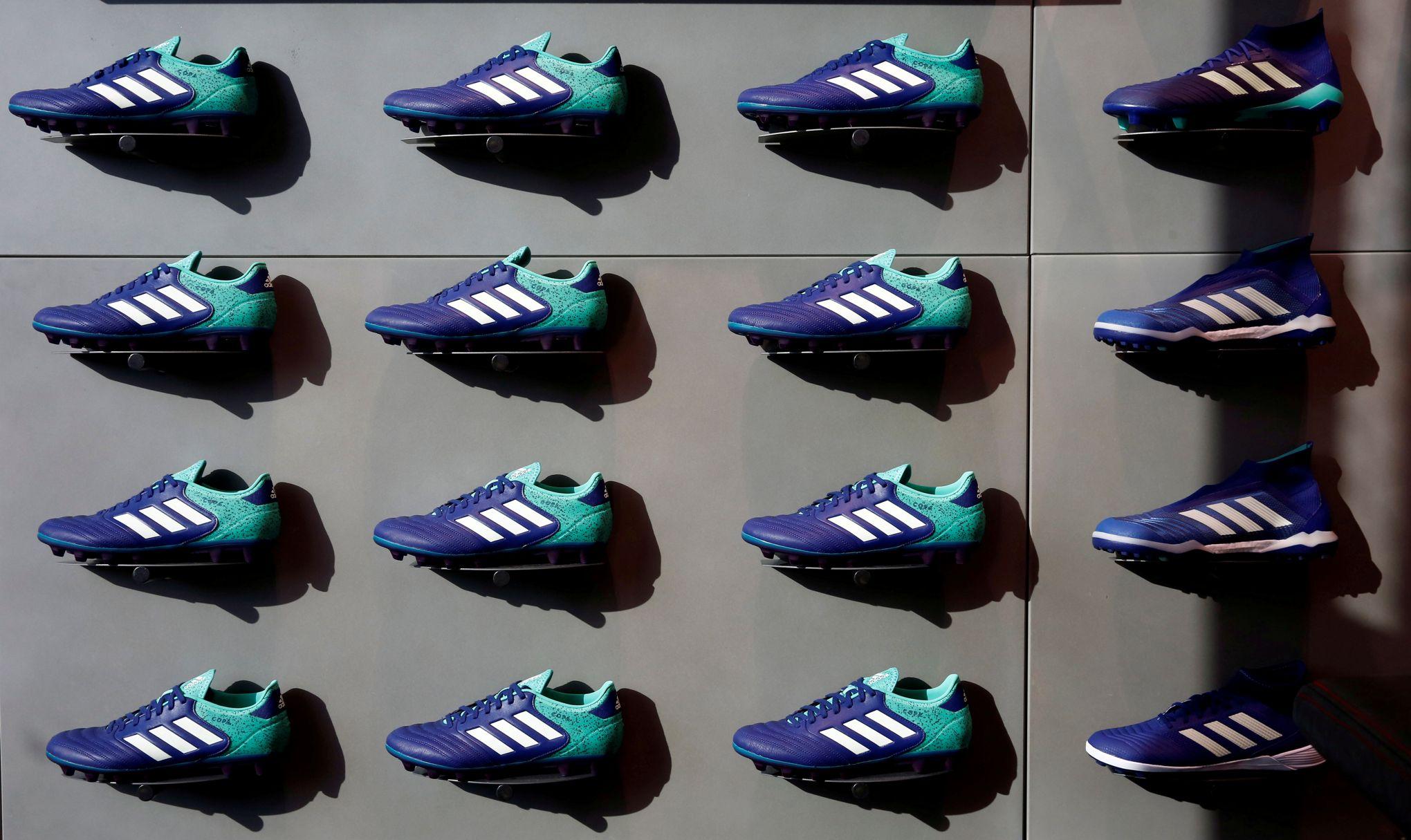 Le Reprend Couleurs Partout Dans Adidas Des Monde zVqSLMUpG