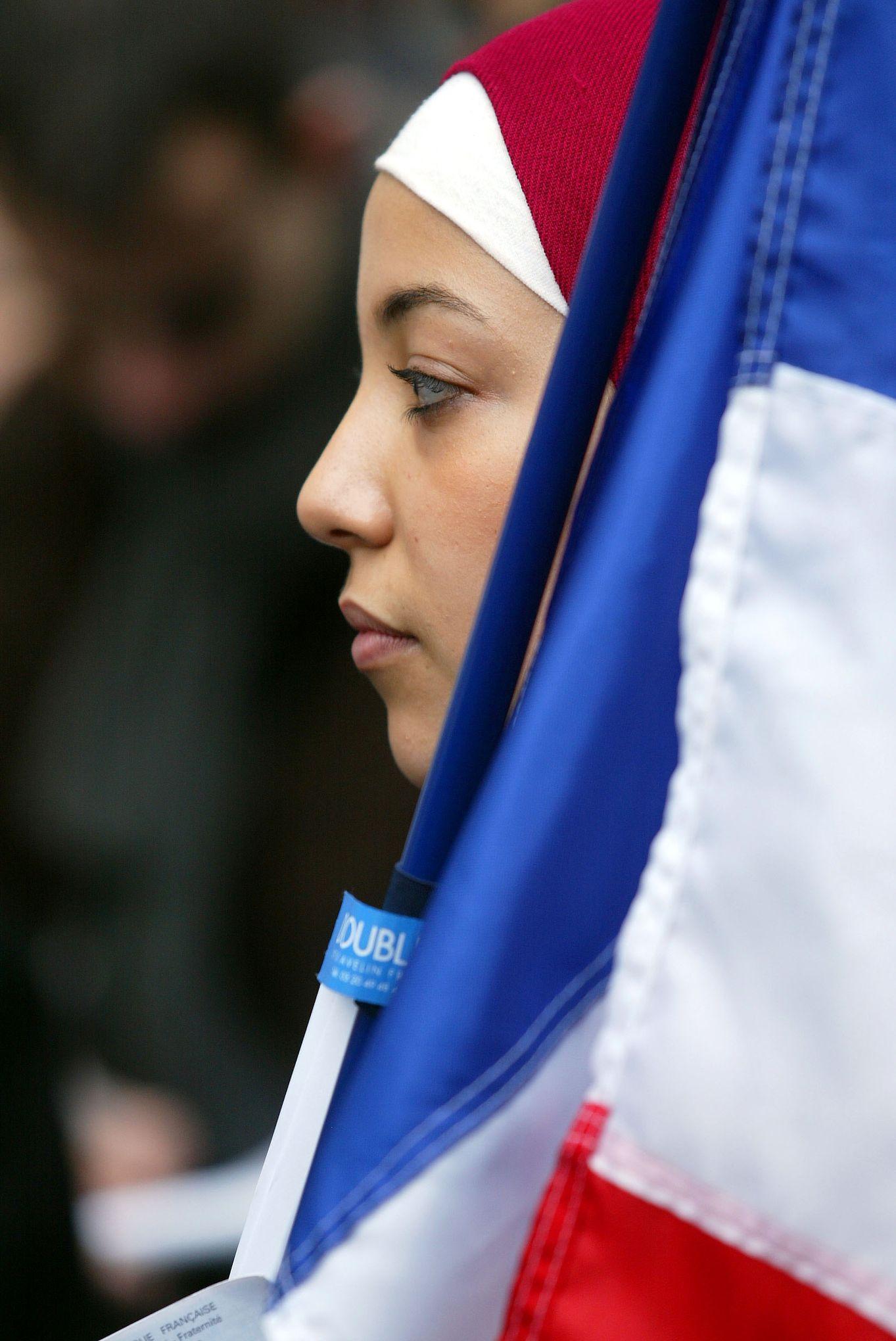 «Il y a trente ans, l'affaire des foulards de Creil fut le début de l'offensive islamiste en France»
