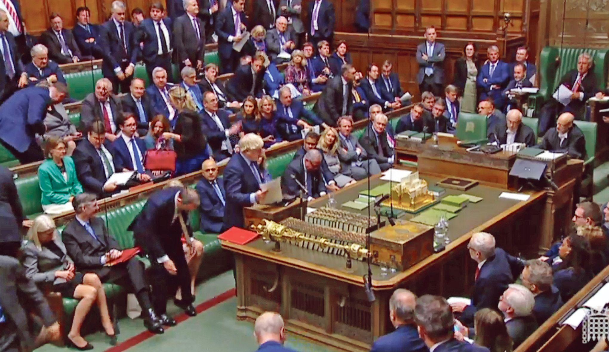 Le retour houleux de Boris Johnson au Parlement