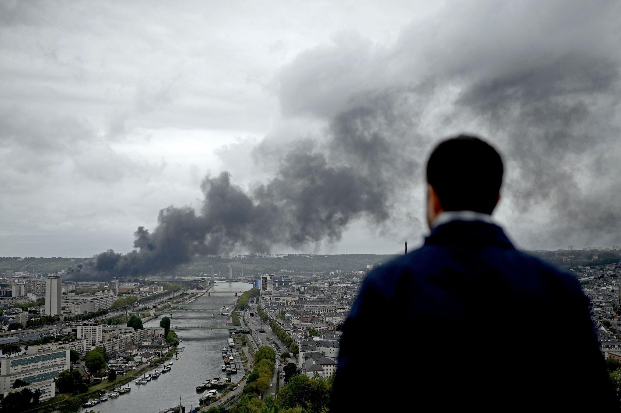 Incendie de l'usine Lubrizol à Rouen: que sait-on des conséquences sur la santé?