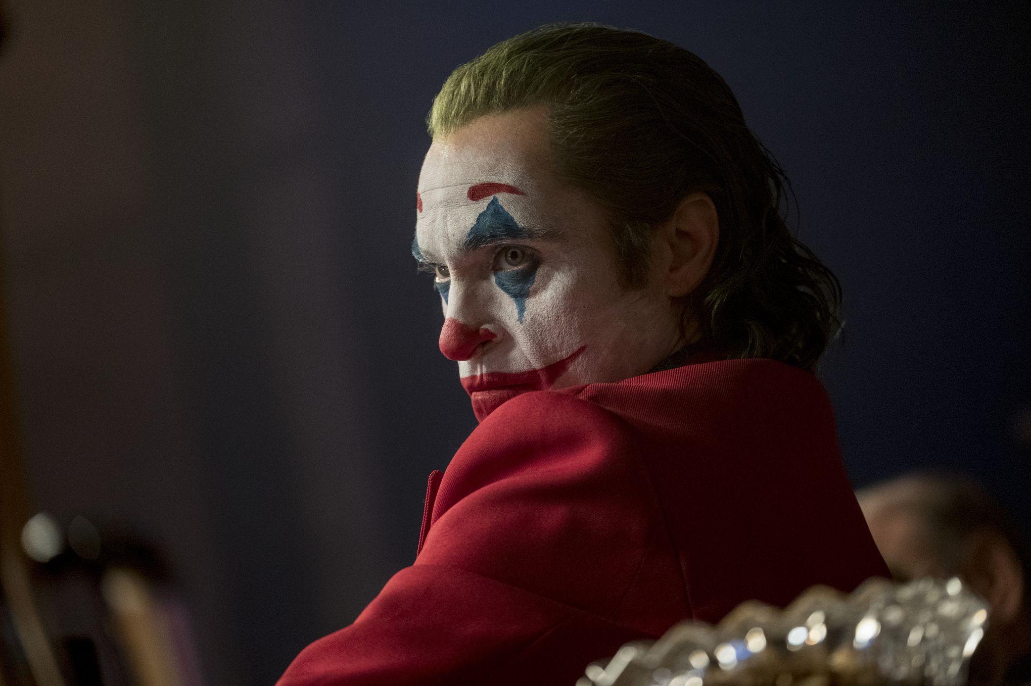 Joaquin Phoenix derrière le sourire du Joker