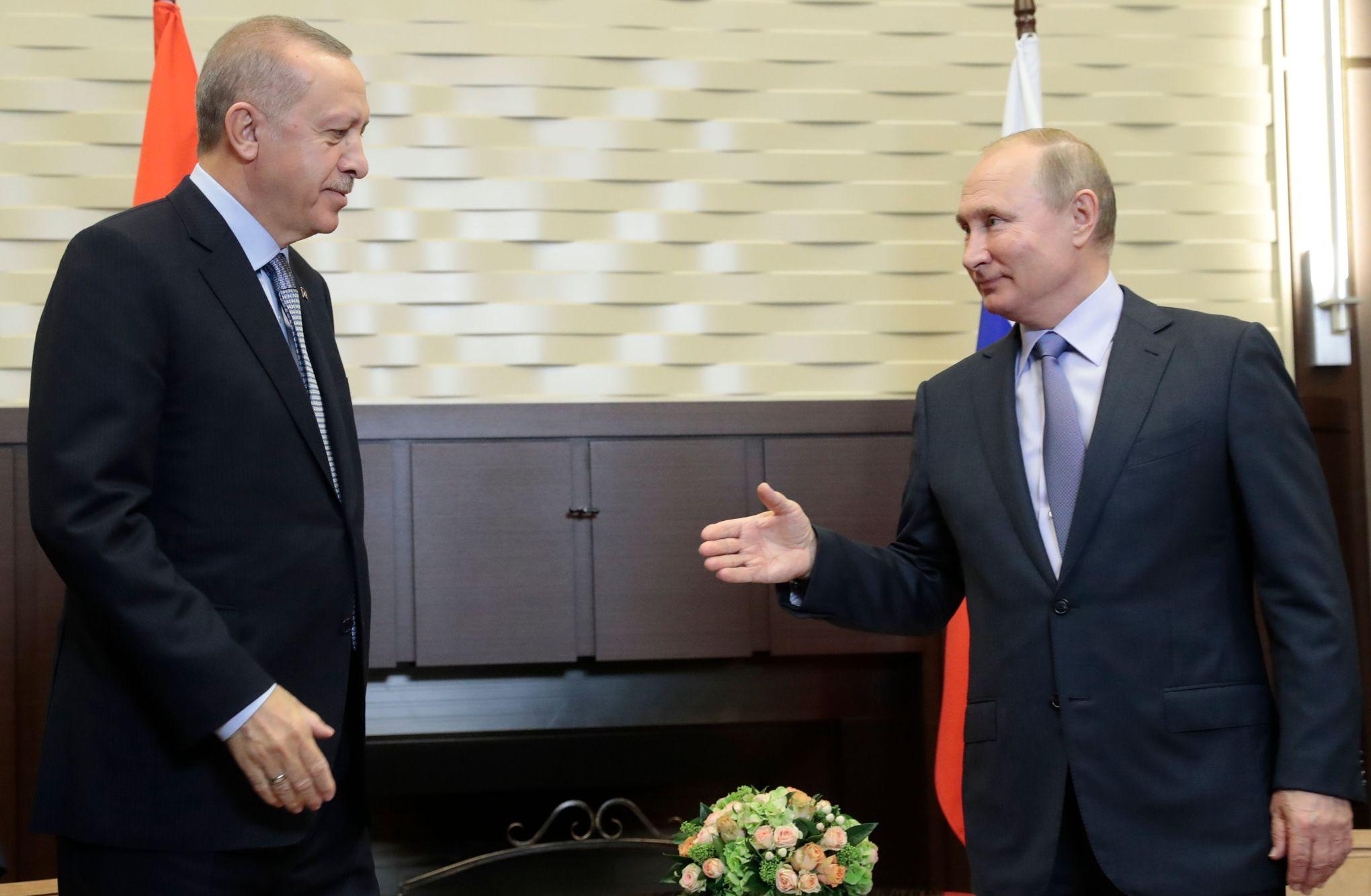 Syrie: Erdogan et Poutine imposent leur paix dans le nord du pays