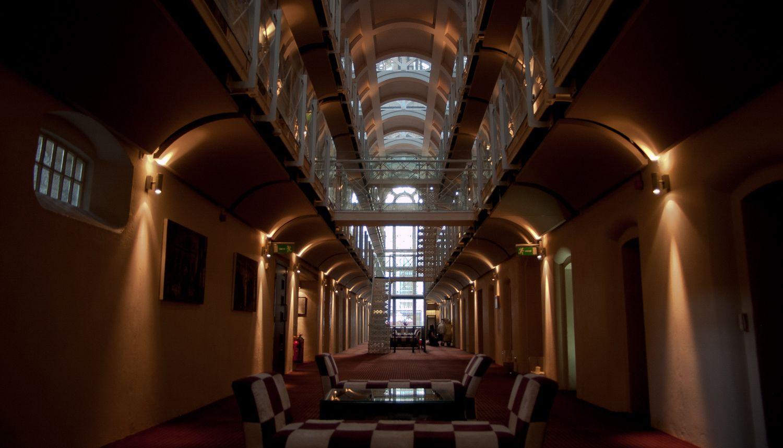 Cinq prisons transformées en hôtels où dormir en Europe