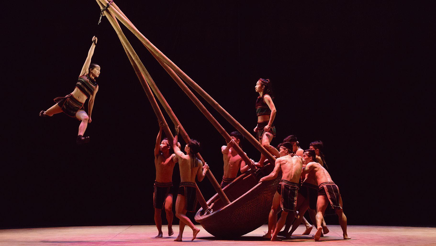 Le bambou fait son cirque à la Villette