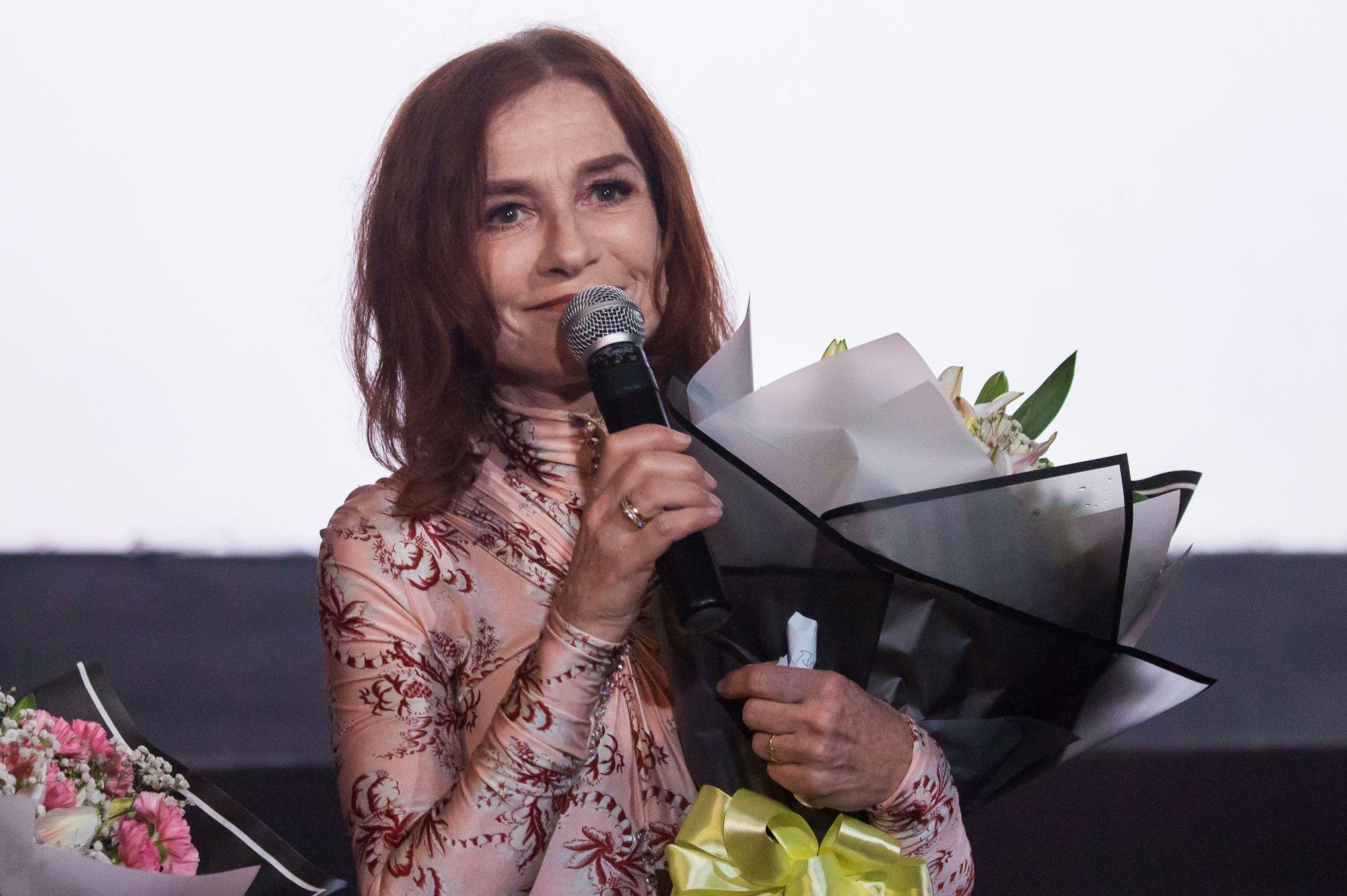 Pour Isabelle Huppert, il faut «protéger économiquement» les actrices