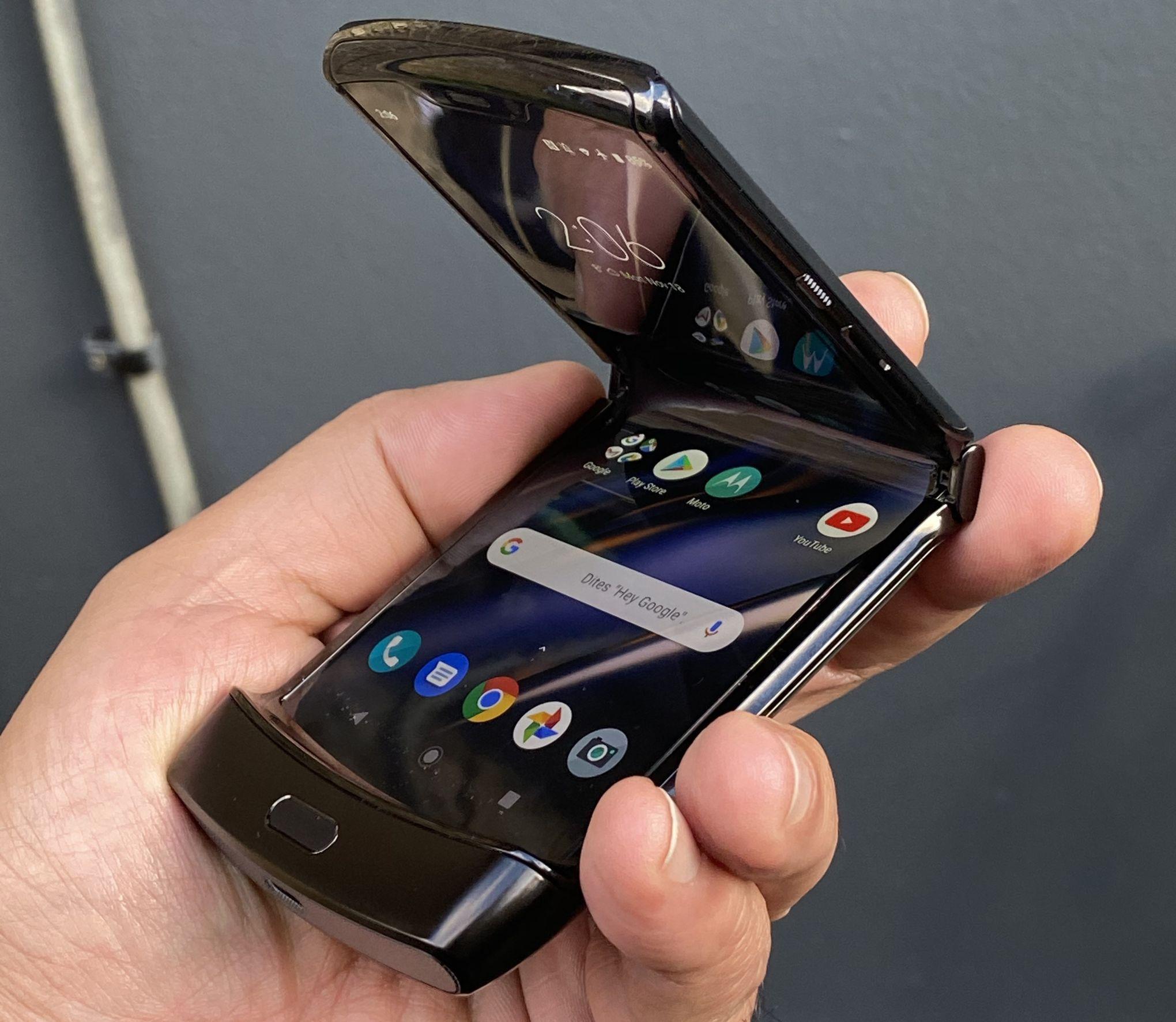 Motorola ressuscite le Razr, son modèle historique à clapet, avec un écran pliable