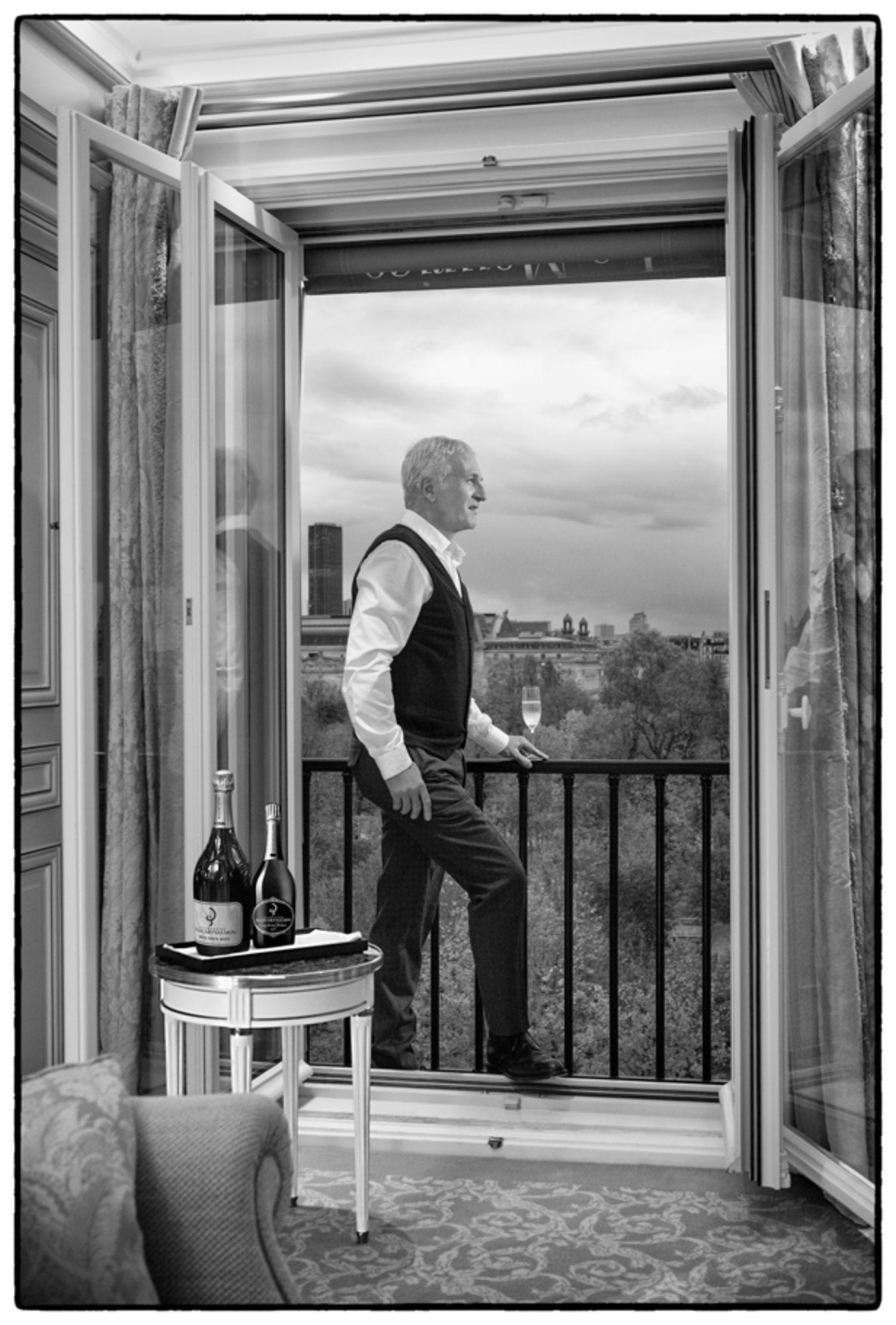 «Paris est une fête, mais pas un cadeau», par Gilles Martin-Chauffier