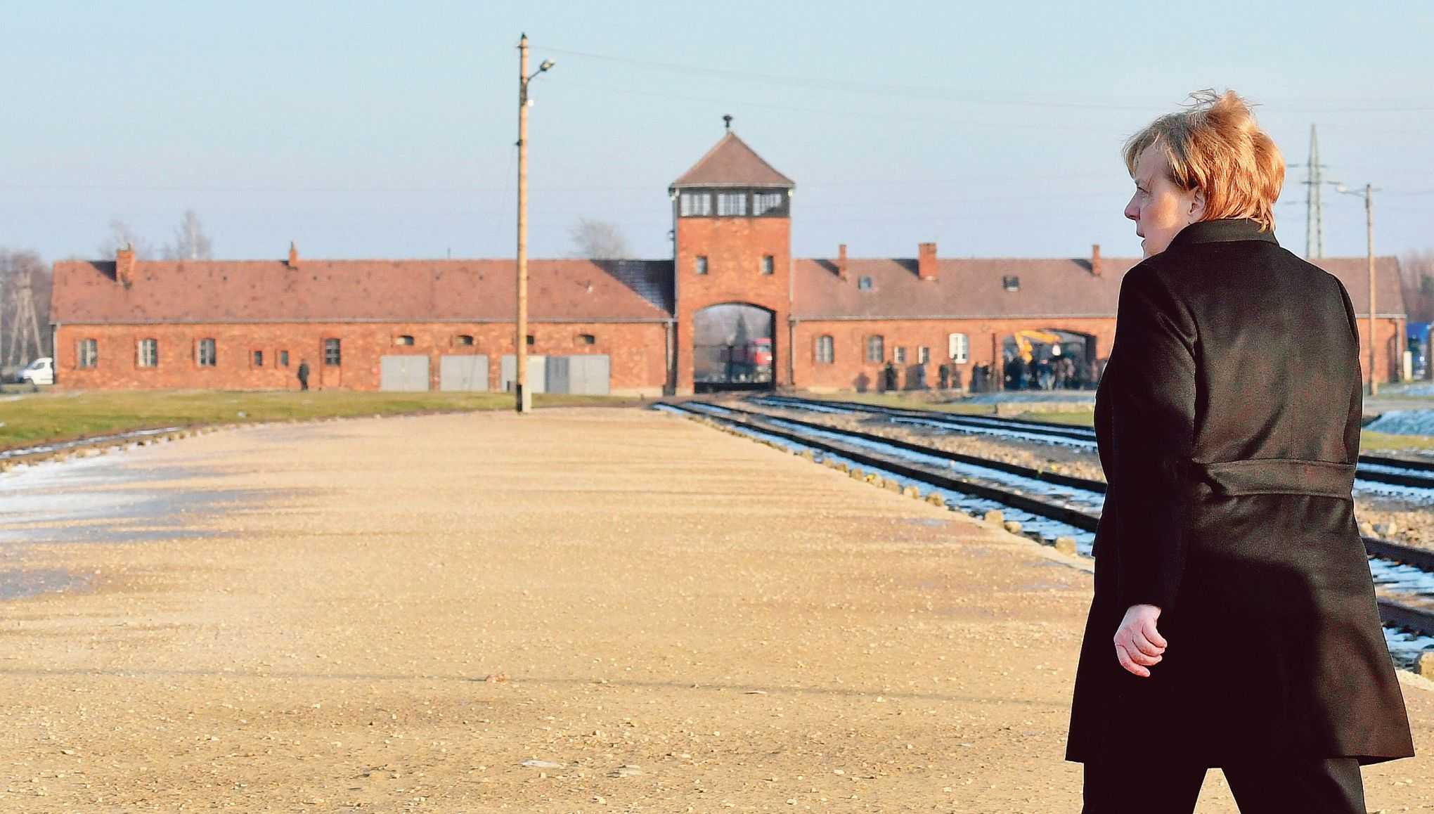 Merkel à Auschwitz: «Se souvenirdes crimes, nommer leurs auteurs»