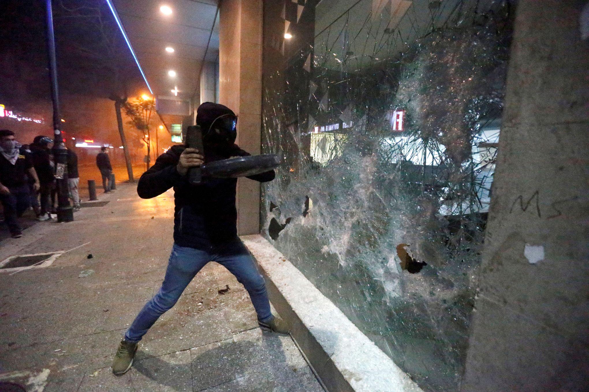 À Beyrouth, les Libanais s'attaquent aux banques