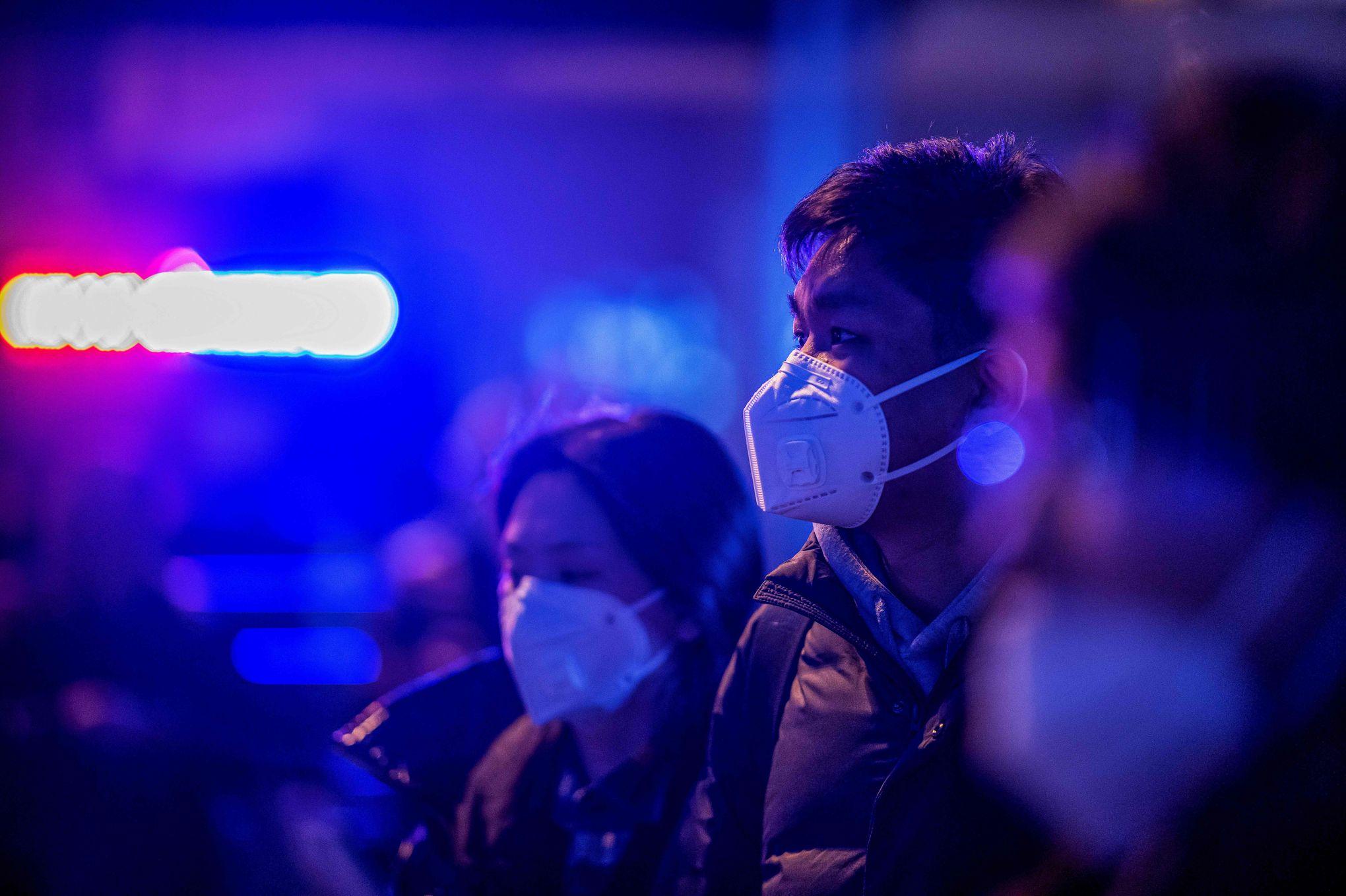 Épidémie en Chine: le bilan passe à 17 morts, l'OMS se réunit mercredi soir