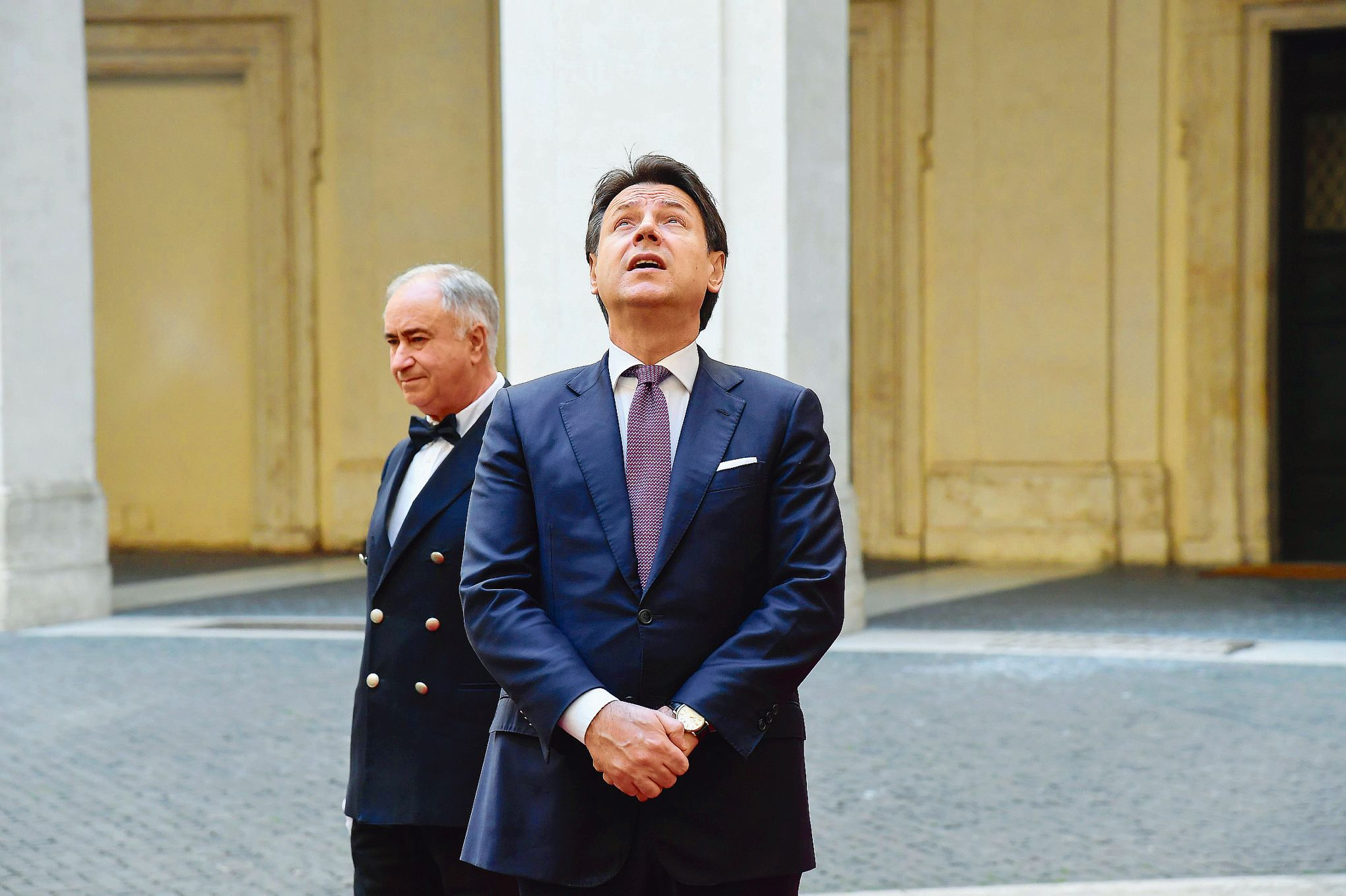 Italie: Giuseppe Conte espère tenir jusqu'en 2023