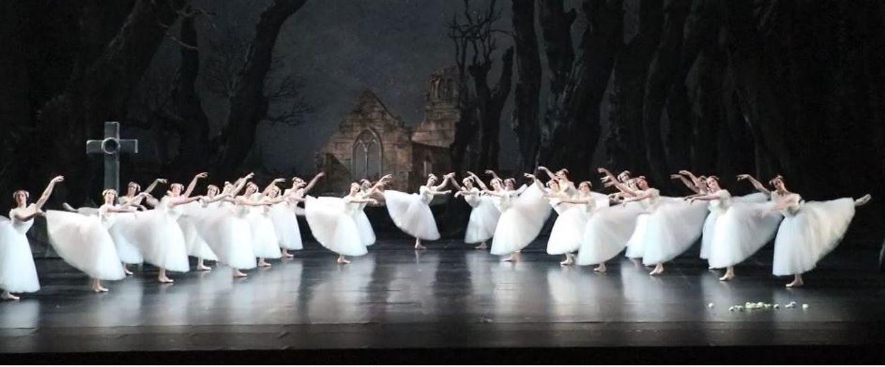"""Résultat de recherche d'images pour """"ballet giselle opera garnier 2020"""""""