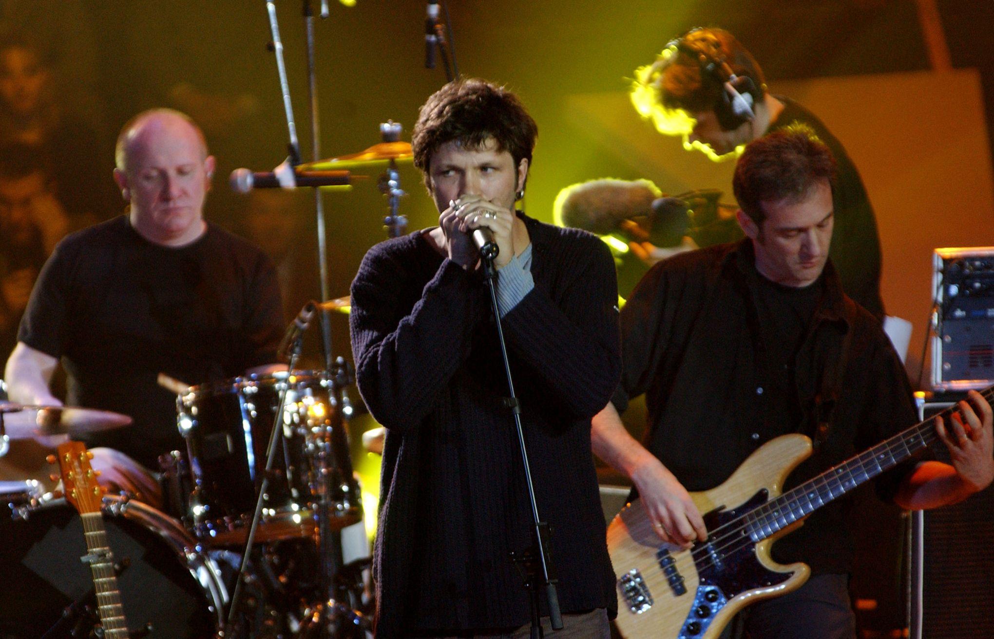 Dix ans après la séparation du groupe, Noir Désir sort un album acoustique