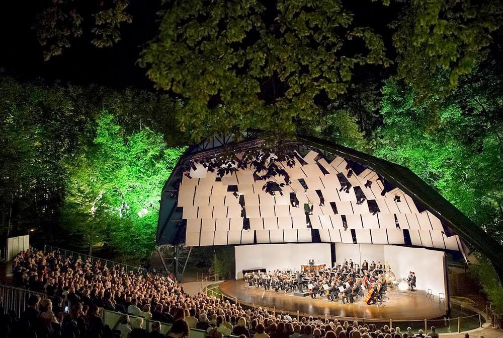 Festival international de piano de la Roque-d'Anthéron du 21 juillet au 19 août dans le Sud-Est. Depuis trente-six ans, ce rassemblement de pianistes unique au monde associe toujours avec empathie tous les claviers du clavecin à l'orgue et plusieurs génér