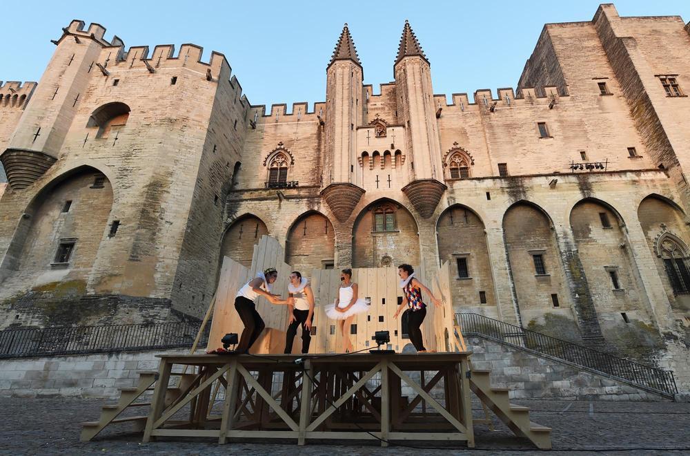 Le Festival d'Avignon se tient du jeudi 6 au mercredi 26 juillet dans la Cité des Papes.