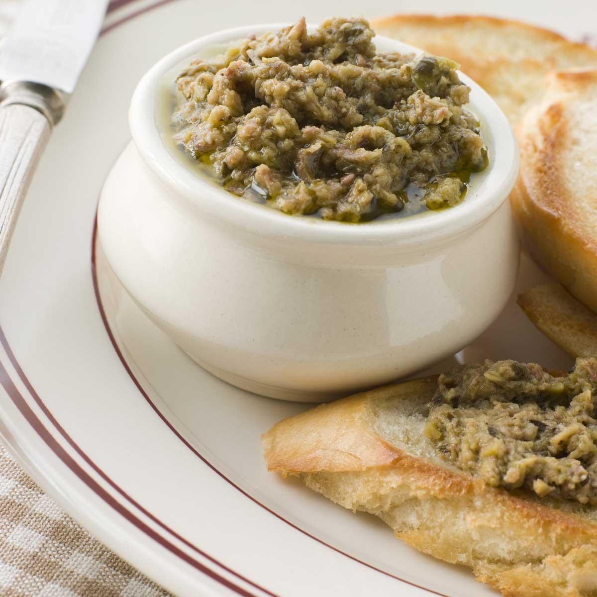 recette tapenade d 39 olives vertes aux amandes cuisine. Black Bedroom Furniture Sets. Home Design Ideas