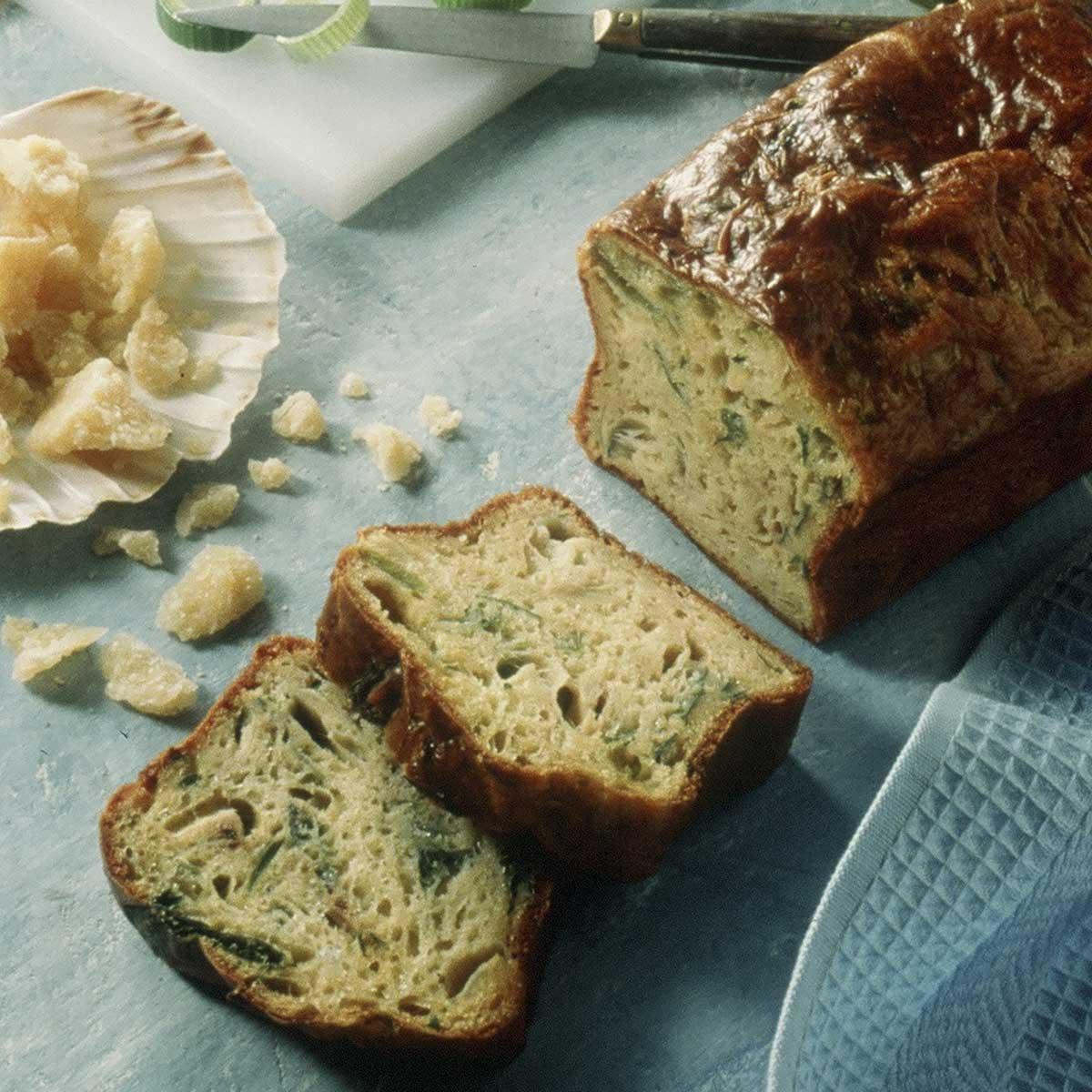 recette cake aux saint jacques poireaux et parmesan cuisine madame figaro. Black Bedroom Furniture Sets. Home Design Ideas