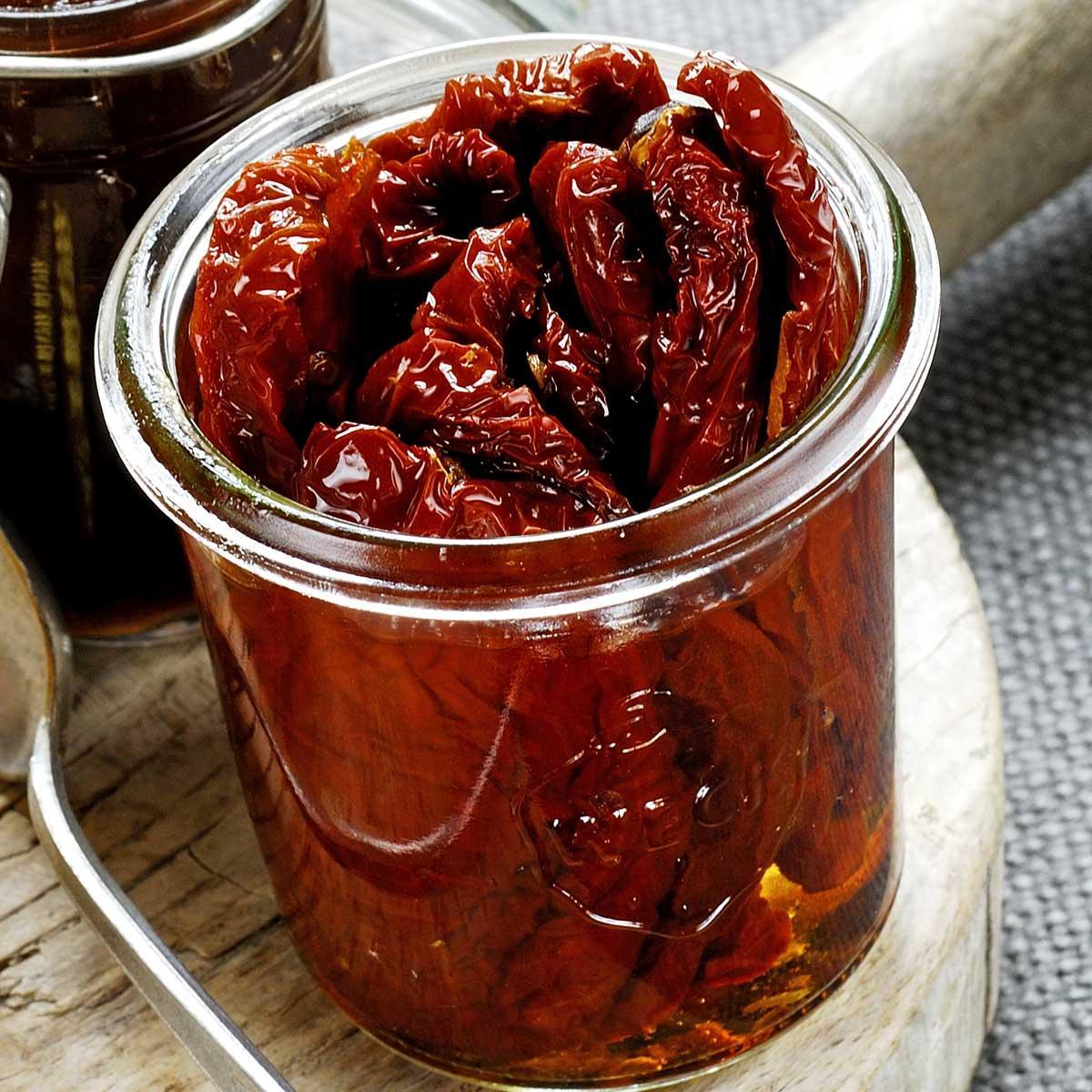 recette tomates s ch es l 39 huile d 39 olive cuisine madame figaro. Black Bedroom Furniture Sets. Home Design Ideas