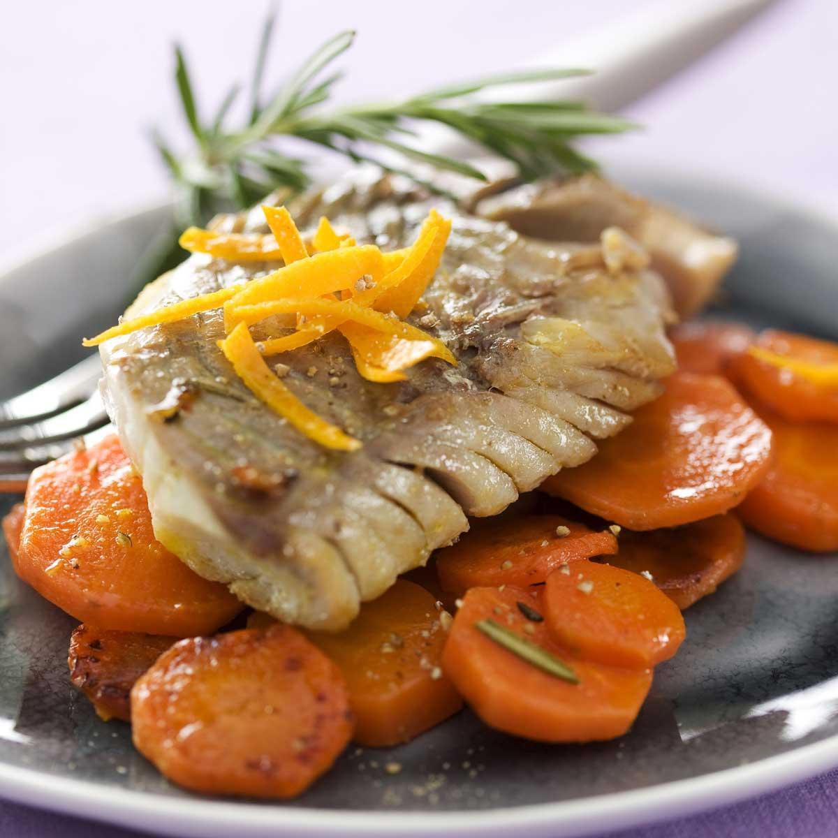 recette filet de lieu noir caram lis l 39 orange et carottes cuisine madame figaro. Black Bedroom Furniture Sets. Home Design Ideas