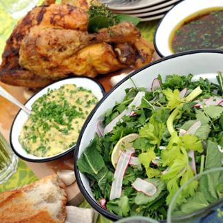 recette salade d herbes aromatiques cuisine madame figaro. Black Bedroom Furniture Sets. Home Design Ideas
