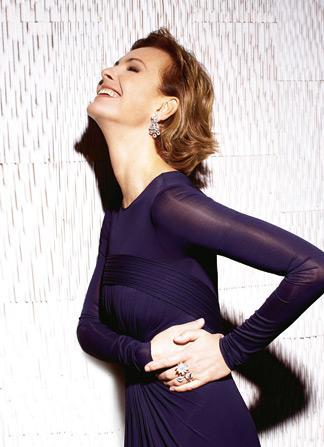 98d44096ba9d Carole Bouquet, infiniment joyeuse - Madame Figaro