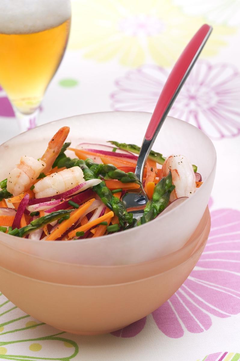recette salade fra che d asperges vertes et crevettes la bi re de printemps cuisine madame. Black Bedroom Furniture Sets. Home Design Ideas
