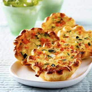 recette minis quiches aux l gumes cuisine madame figaro. Black Bedroom Furniture Sets. Home Design Ideas