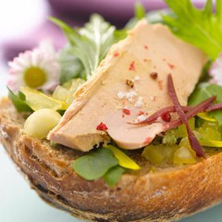 recette la tartine de foie gras aux paquerettes mignonettes. Black Bedroom Furniture Sets. Home Design Ideas