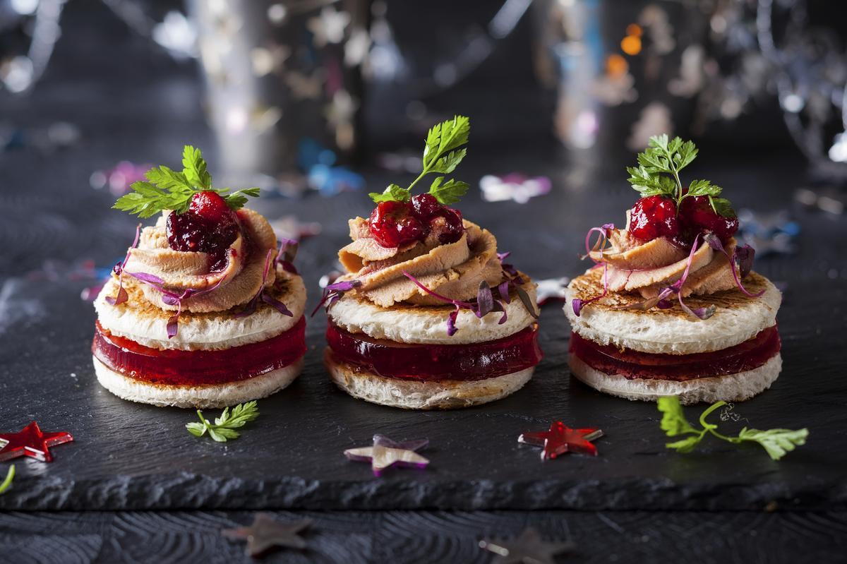 quinze recettes festives de verrines toasts ou cakes pour. Black Bedroom Furniture Sets. Home Design Ideas