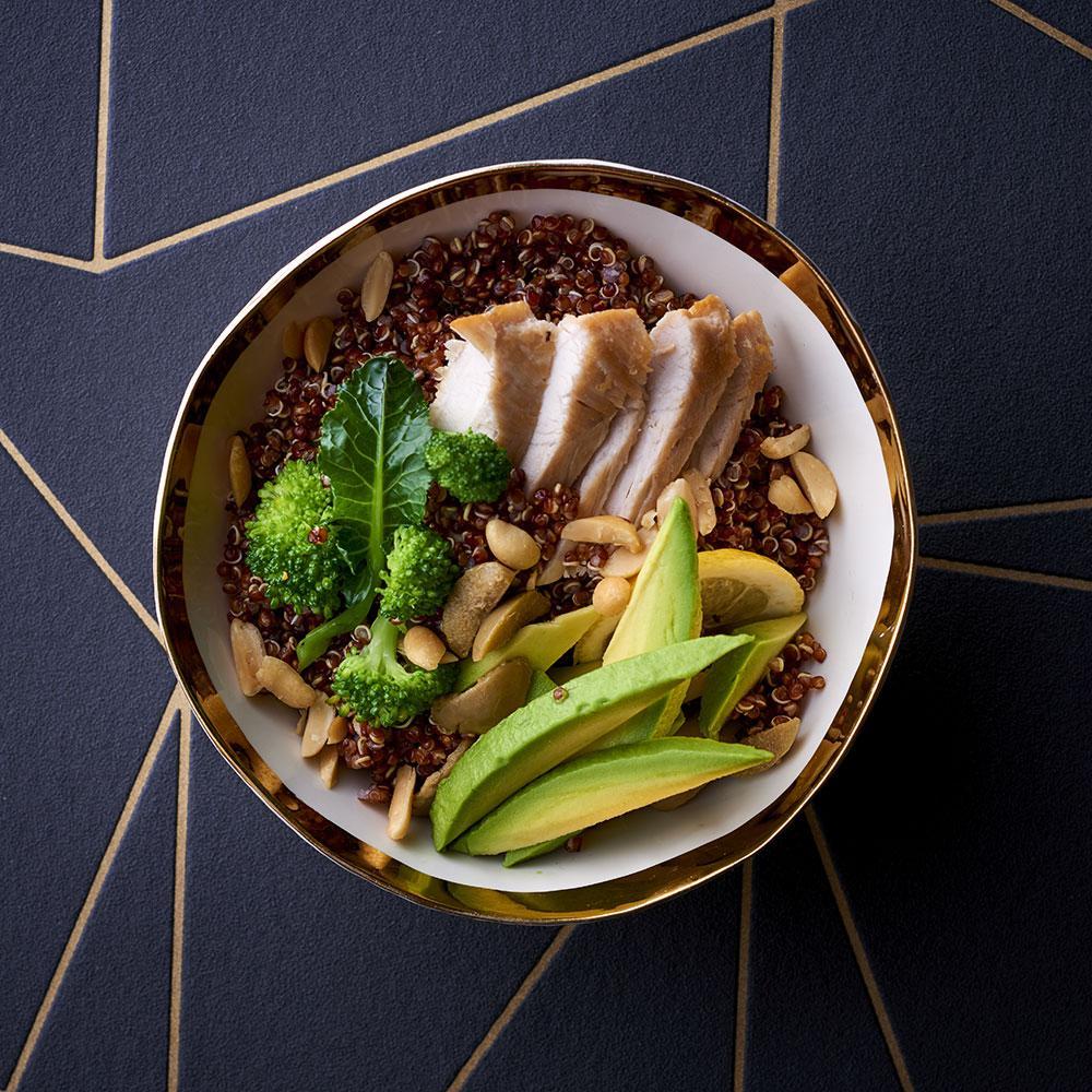 recette salade de poulet quinoa cuisine madame figaro. Black Bedroom Furniture Sets. Home Design Ideas