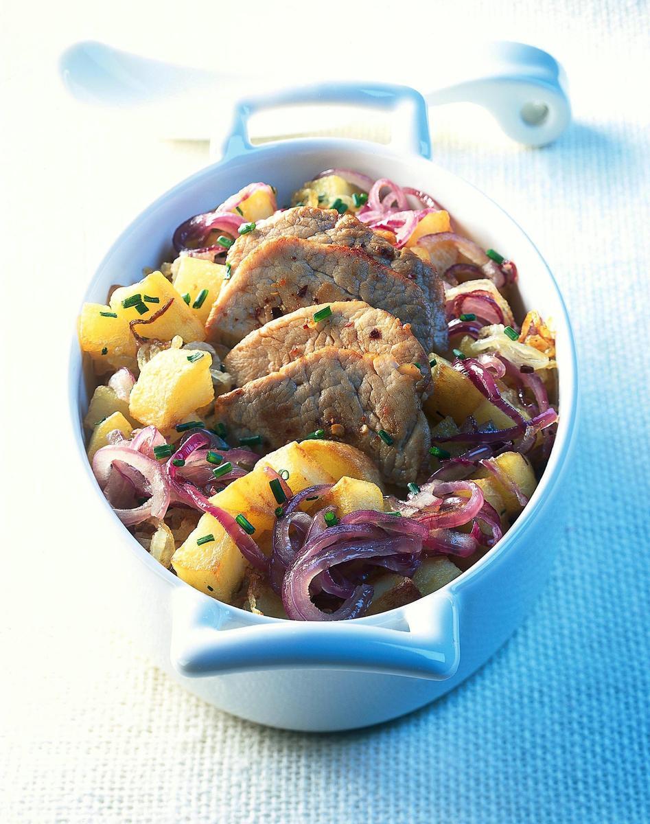 recette pommes de terre saut es minc de veau cuisine madame figaro. Black Bedroom Furniture Sets. Home Design Ideas