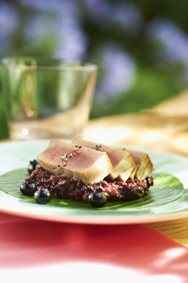 recette thon snack et risotto aux myrtilles cuisine madame figaro. Black Bedroom Furniture Sets. Home Design Ideas
