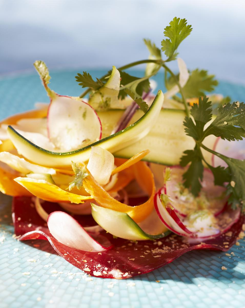 recette salade croquante l g re cuisine madame figaro. Black Bedroom Furniture Sets. Home Design Ideas