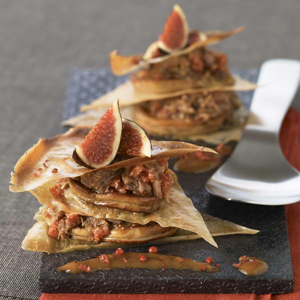 recette mille feuilles de foie gras frais au confit de canard figues et baies roses cuisine. Black Bedroom Furniture Sets. Home Design Ideas