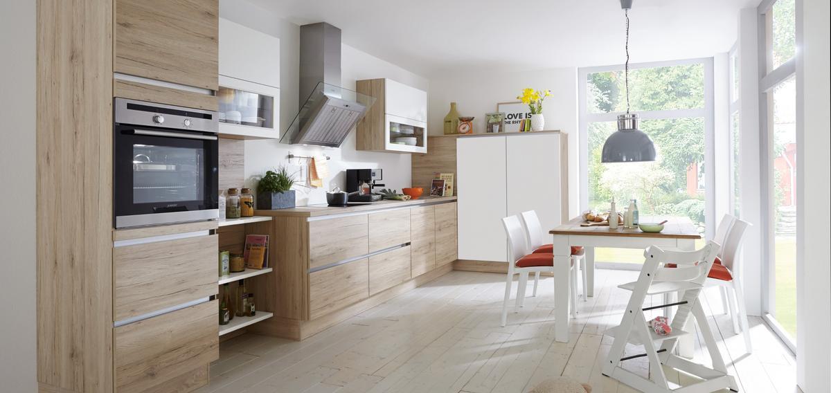 comment am nager une cuisine en longueur madame figaro. Black Bedroom Furniture Sets. Home Design Ideas