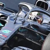 Ferrari se loupe à Sotchi, Mercedes en profite
