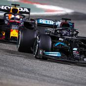 """«Je me suis dit """"ça y est, il m'a eu""""» : Hamilton raconte sa fin de course «horrible» sous la pression de Verstappen"""