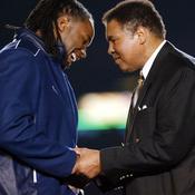 Mohamed Ali félicite Lennox Lewis en 2002