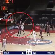 Le dunk complètement fou d'un joueur de Cholet