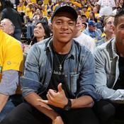 Fan de Parker, Mbappé a assisté à son premier match de NBA