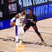 LeBron James face à Bam Adebayo lors des dernières Finales NBA