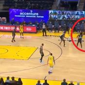Shoot au buzzer, distance lointaine ... Le panier à trois points monstrueux de Curry contre Sacramento