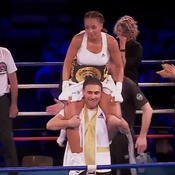 Estelle Yoka-Mossely championne du monde IBO des poids légers