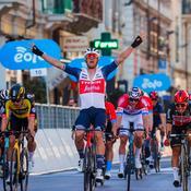 Milan-San Remo : les favoris se ratent, Stuyven en profite