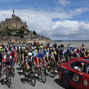 Le Tour s'envole du Mont-Saint-Michel