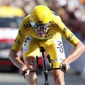 Froome tient le Tour de France dans son poing